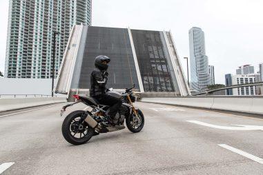 2021-Triumph-Speed-Triple-1200-RS-30