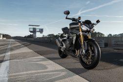 2021-Triumph-Speed-Triple-1200-RS-34