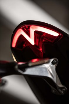 2021-Triumph-Speed-Triple-1200-RS-47
