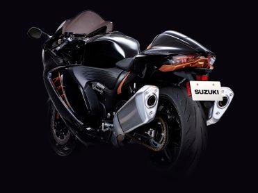 2022-Suzuki-Hayabusa-action-41