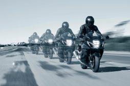 2022-Suzuki-Hayabusa-action-43