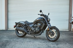 Honda-Rebel-1100-black-07