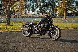 Honda-Rebel-1100-black-19