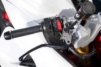 2021-Ducati-SuperSport-950-11
