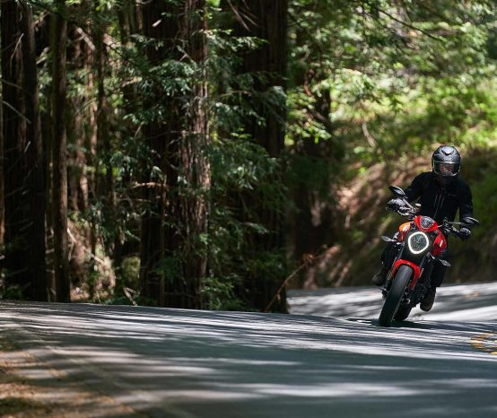 What It's Like to Ride the 2021 Ducati Monster, A Review