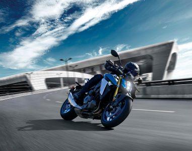 2022-Suzuki-GSX-S1000-02