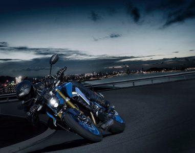 2022-Suzuki-GSX-S1000-03
