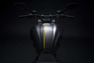 Ducati-Diavel-1260-S-Black-and-Steel-29