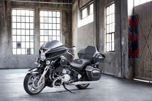 2022-BMW-R18-B-Transcontinental-11
