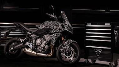 2022-Triumph-Tiger-660-09