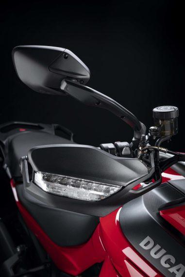 2022-Ducati-Multistrada-V2-27