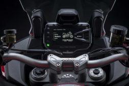 2022-Ducati-Multistrada-V2-37