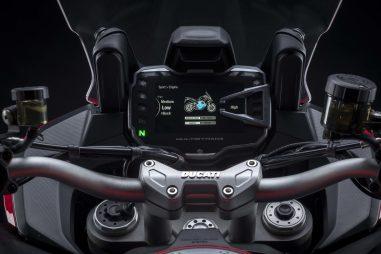 2022-Ducati-Multistrada-V2-42