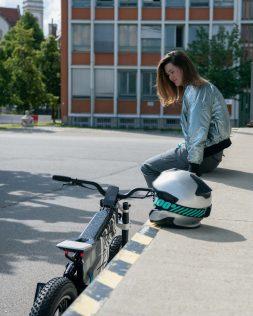BMW-Motorrad-i-Vision-AMBY-17