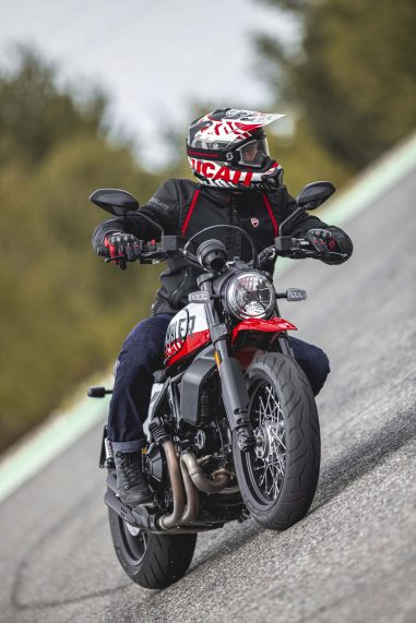 Ducati-Scrambler-Urban-Motard-62