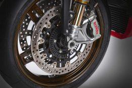MV-Agusta-Brutale-1000-Nurburgring-details-05
