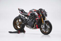MV-Agusta-Brutale-1000-Nurburgring-racing-02