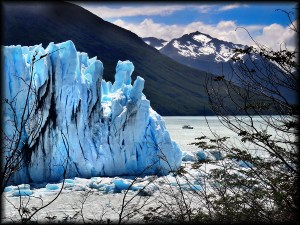 perito moreno glacier boat photo