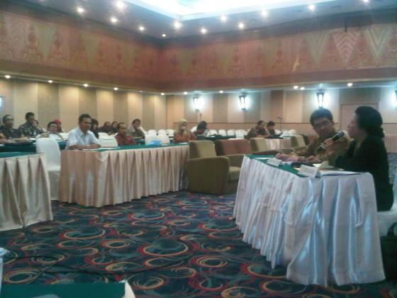 Suasana Seminar Nasional Penyelerasan Pendidikan Tinggi dengan Dunia Kerja
