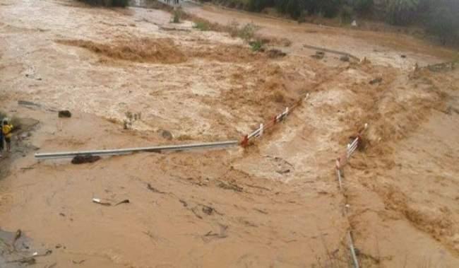 سيدي إفني: وفاة 3 سيدات وإختفاء طفلة عن الأنظار بسبب السيول