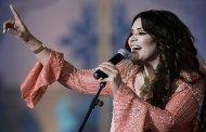 المغنية أحلام تحط الرحال بأرض الحرمين الشريفين للغناء