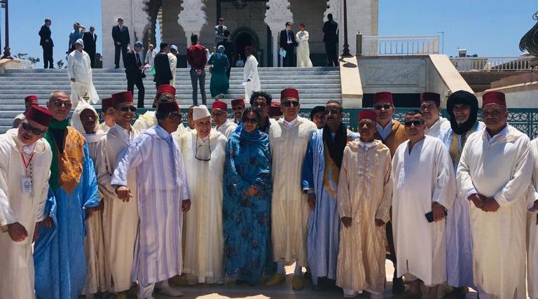 روح المرحوم محمد الخامس تلم شرفاء مولاي عبد السلام بن امشيش وأتباع الطريقة الشادلية المشيشية بضريح حسان