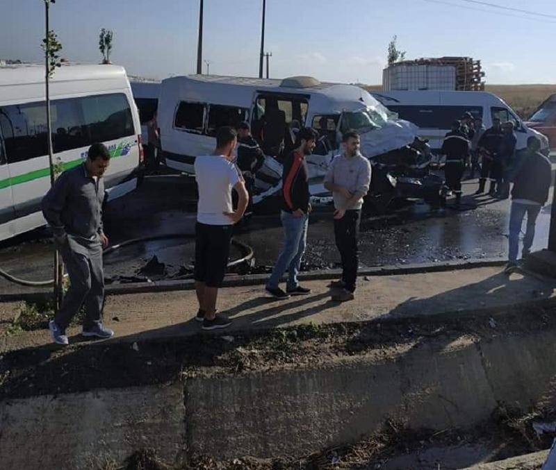 مصرع 5 عمال وإصابة العشرات في حادثة سير بطنجة