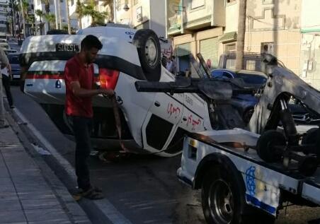 انقلاب سيارة تابعة للأمن الوطني بتطوان