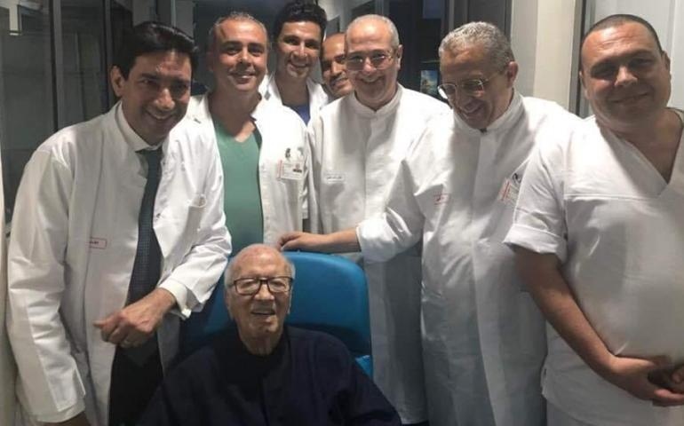 الرئيس التونسي يغادر المستشفى العسكري بعد تلقيه العلاج