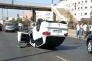 يالطيف... سباق بين سيارتين في المحور الداخلي بين سيدي مومن والحي المحمدي يرسل مصابين إلى المستعجلات - فيديو