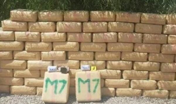 حجز طنين من المخدرات وقوارب مطاطية بمنزل مشتبه به في طنجة