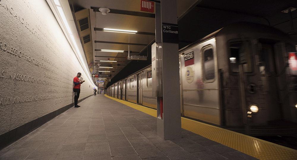 شرطة نيويورك تعتدي على شاب أسود في محطة مترو