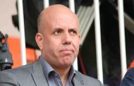 بعد الخسارة أمام الرجاء .. رئيس شبيبة القبائل الجزائري يعتدي على أنصار فريقه بالدارالبيضاء - فيديو