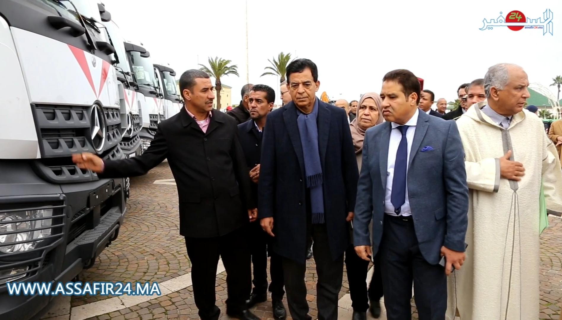 ابن مسيك .. العامل محمد النشطي يعطي الإنطلاقة الفعلية لشركة النظافة