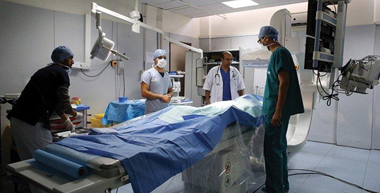 فاس .. فريق طبي وتمريضي ينجح في إجراء عملية دقيقة على مستوى القلب والشرايين