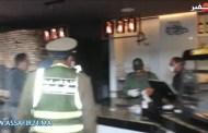 قائد بوركون يغلق مقهى خالفت قانون الحجر الصحي ويقدم مالكها للعدالة