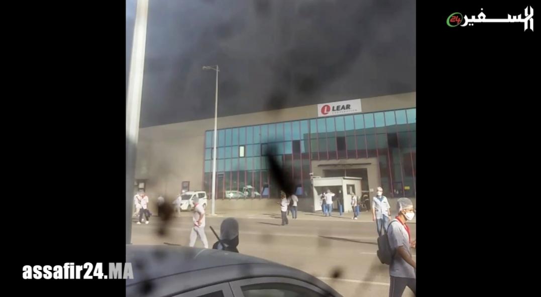 عاجل : حريق ضخم يلتهم مصنع فوجيكورا بالمنطقة الحرة بطنجة - فيديو