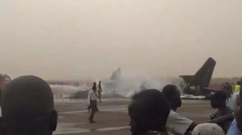 تحطم طائرة سودانية بعد إقلاعها ومقتل جميع ركابها