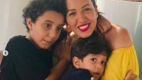 """تكشف أسماء لمنور عن مرض ابنها الوحيد ب """"التوحد"""""""