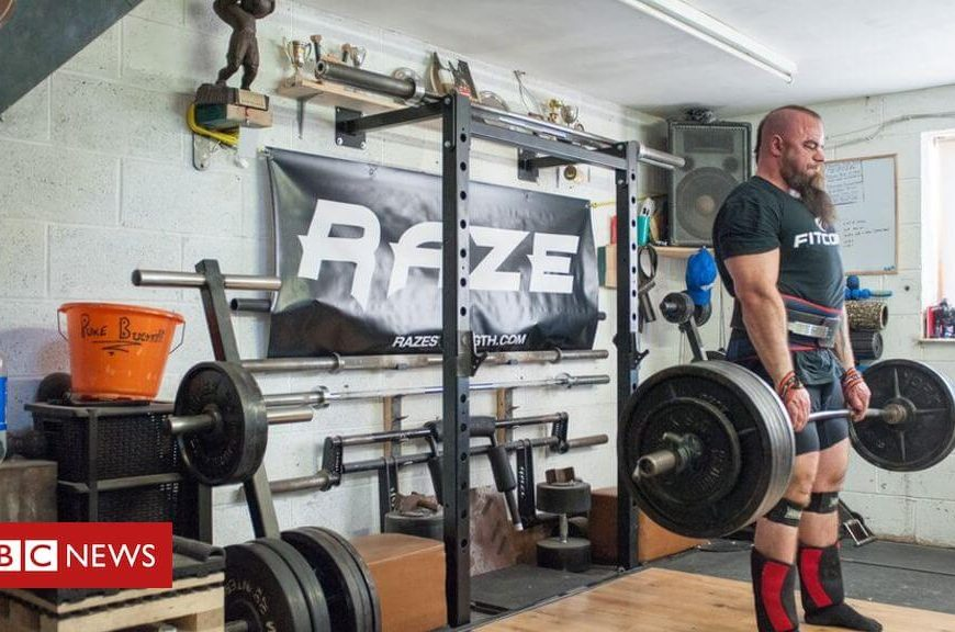 The extreme lifestyle of a strongman in pictures