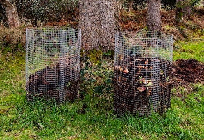cilindros feito de tela de arame com composto dentro