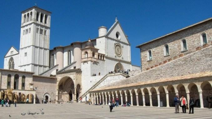 Pianeta, clima, uragani: dibattito al Cortile di Francesco ad Assisi