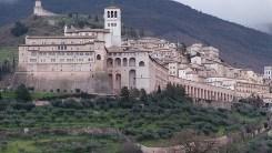 assisi_basilica_san_francesco_spalle (2)