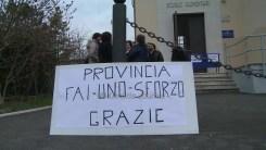 Protesta e raccolta firme strada Castelnuovo Assisi8