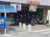Polizia davanti al Maury's a Bastiola (3)