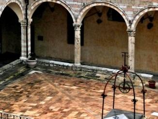 Cortile di Francesco ad Assisi