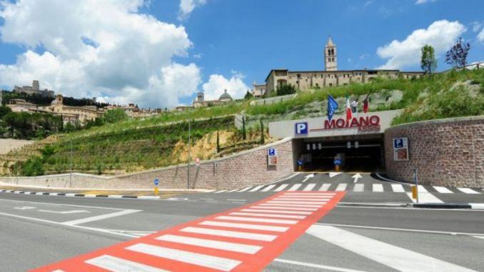 Parcheggi Assisi, botta e risposta tra cittadino e Carlo Migliosi