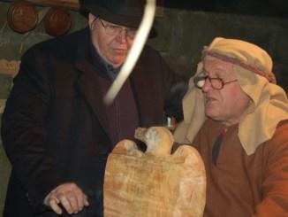 Presepe vivente Petrignano e San Gregorio, visita del sindaco Lunghi Le tradizionali manifestazioni paesane hanno il pregio di riunire tante persone facendole lavorare insieme