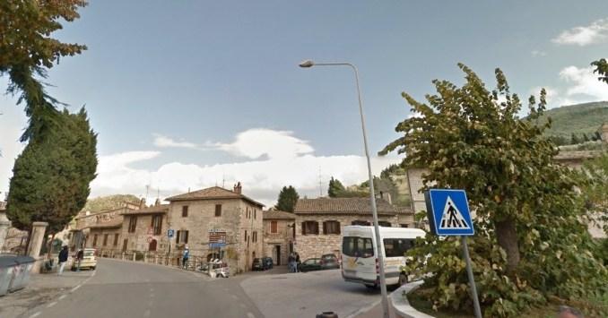La donna di Assisi caduta dalla finestra è morta