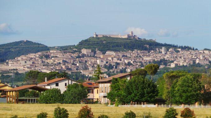 Centro storico Assisi, prolungati orari mattutini di carico e scarico merci